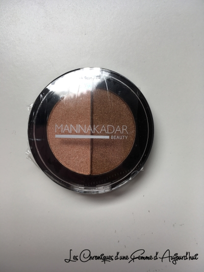 Birchbox - Manna Kadar Cosmetics - Bronzer Highlighter